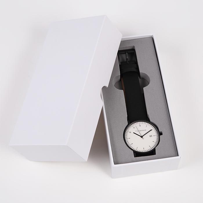 箱入り腕時計