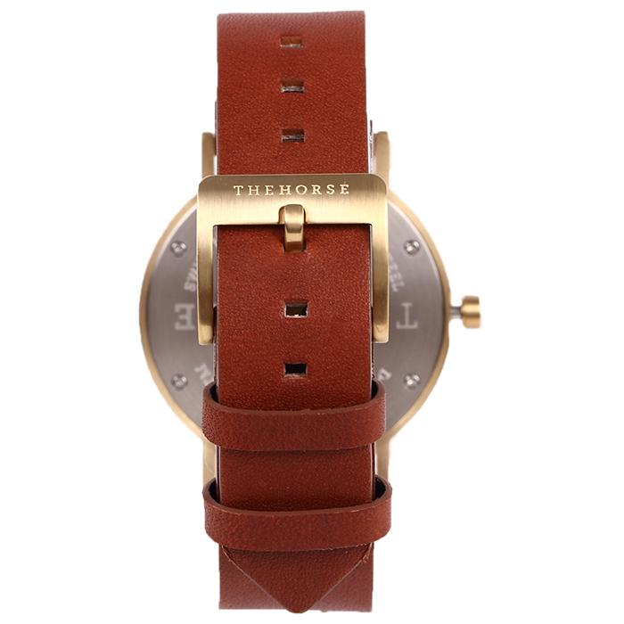 dシリーズは、日付機能がついて、他の腕時計よりも時間管理が出来るのでビジネスシーンにも大活躍する腕時計になっています。
